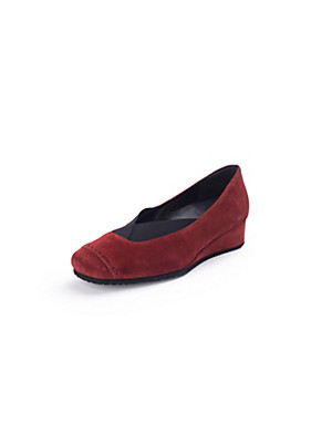 Theresia M. - Pumps